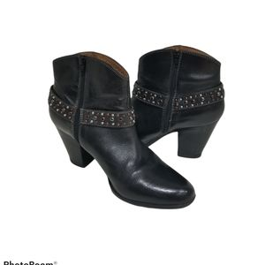 Sofft Söfft leather booties size 10